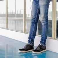Sepatu Sneaker Navara Bolder Black Pria Scr32