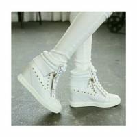 Jual CMR254 Sepatu Boots Wedges Putih 3 Cm Murah