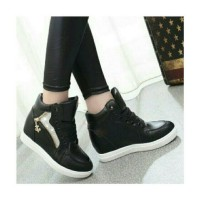 Jual CMR258 Sepatu Boots Wedges Hitam 3 Cm Murah