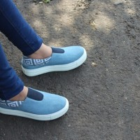 Jual sepatu jeans etnik sepatu kasual Murah