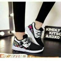 Jual istimewa sepatu sneakers wanita yeezy toraja mo 79 black Murah