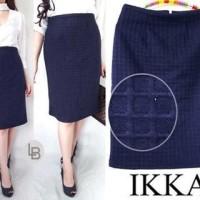 Jual DAPATKAN SPECIAL IKKA navy textured skirt bodycon original branded Murah