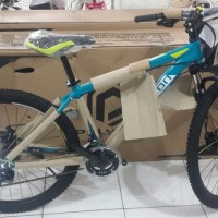 Polygon Monarch four 4 sepeda gunung mtb