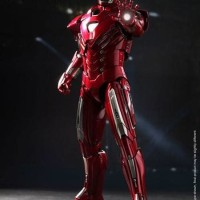 1/6 Iron Man 3 - Mark 33 Silver Centurion by Hot Toys