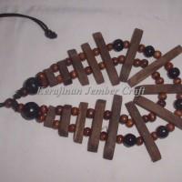 Harga kalung etnik kayu kopi kombinasi kayu sonokeling by kerajinan | Pembandingharga.com