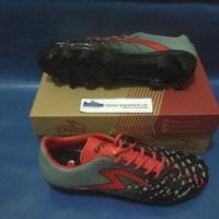 Sepatu Sepak Bola/Soccer Specs Swervo Meteor FG Grey/Emperor Red