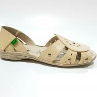 Jual Sepatu sandal wanita kickers flat model stud warna cream Murah