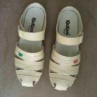 Jual Sepatu wanita model slop Kickers cewek original sandal santai Murah