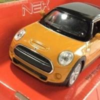 Miniatur Mobil New Mini Hatch Coklat Welly Skala 1 32