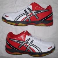 sepatu badminton/bulutangkis putih merah