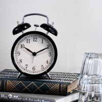 Jual Jam Meja Vintage Weker Beker IKEA DEKAD ALARM CLOCK Hitam / Putih Murah