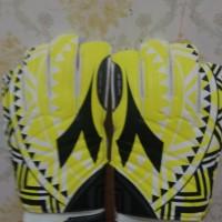 Sarung Tangan Kiper Futsal/Sepakbola Merk Diadora Kuning (Original)