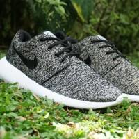 harga Sepatu Casual Running Nike Roshe Run Bludru Abu Hitam Man Cowok Pria Tokopedia.com