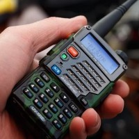 Handy Talky HT UV 5RE PLUS lebih bagus dari UV-5R radio baofeng UV5R