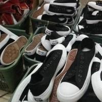 harga Jual Converse Clasic Big Ct2 Size 44.45 Panjang Kaki 30cm - Sepatu Tokopedia.com