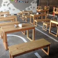 Meja Kursi Makan Model Panjang dari Kayu Jati Londo di Surabaya