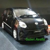 Miniatur Toyota Agya 1 43 Auto 2000