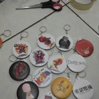 Gantungan kunci PIN gambar kartun, foto, artis, korea dll