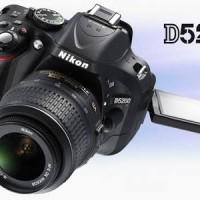 Nikon D5200 / 24. Megapixel / Lens 18-55mm