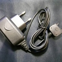 Charger Hp Sony Ericson K750 dan type lama konektor sisir merk GMA