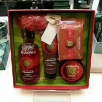 Jual Strawberry Gift Set Small The Body Shop Murah