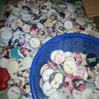 GROSIR Pin peniti 58 mm Custom Anime / Kpop / Partai gambar Request