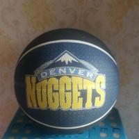 Bola Basket Karet Merk Spalding Edisi Denver Nuggets (Original)