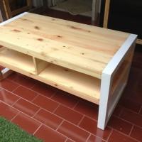 Meja Tamu Ruang Keluarga Full Kayu Pinus Solid