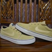 Sepatu casual Nike Toki Low Leather original murah !! (Not Adidas)