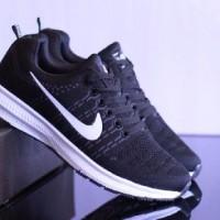 hiasan dinding sepatu pria nike zoom flyknit made in vietnam import b