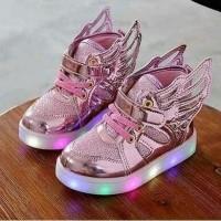 Sepatu Sepatu walker anak perempuan import boot boots pink sayap lampu