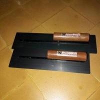 Raskam atau Roskam plat baja 40cm ( alat acian tembok )