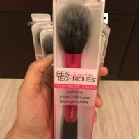 Real Techniques Blush Brush / kuas real technique real tech mac kylie