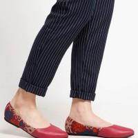 Sepatu wanita / flat shoes etnik, batik, tenun - Dayak Merah