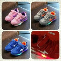 Sepatu Anak Import - Led Shoes Thunder (sz 26-30)