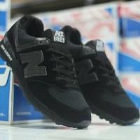 Sepatu New Balance 574 All Black Sneakers pria