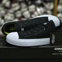 Sepatu Converse Chuck Taylor 2 hitam putih sneakers ukuran besar 45