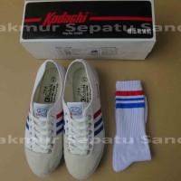 Sepatu Capung - Kodachi 8111 - White + Kaos Kaki