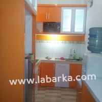 Kitchen Set Minimalis Warna Orange di Semarang