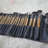 BOBBI TALI Dompet isi 24 Kuas Kayu Premium Bobbi Brown Brush Set
