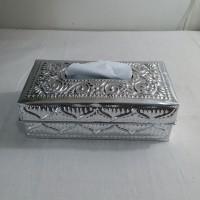 Kotak tisu Alumunium