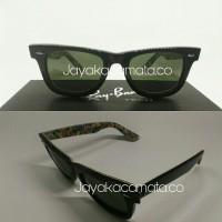 Kacamata rayban wayfarer print bata piramid rb2140A miring
