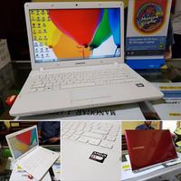 laptop seken SAMSUNG NP275 RED WHITE GAMER EKONOMIS ATI RADEON