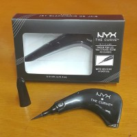 NYX THE CURVE JET BLACK / FELT TIP LINER