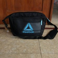 Reebok DELTA SHADE Messenger Bag black/sky blue