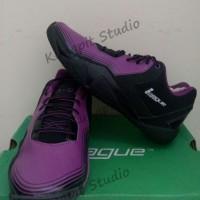 Sepatu Basket original League Zero G Low warna ungu hitam