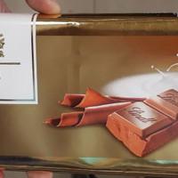 Lindt swiss premium chocolate milk chocolate 300 gram