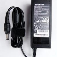 Adaptor Charger Laptop Toshiba Satellite C800 C800D C840 C840D Murah