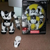 (Diskon) Roboactor RC ( Dance, Whistle, Walk, thorwing)