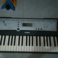 piano keyboard yamaha psr e203 ok